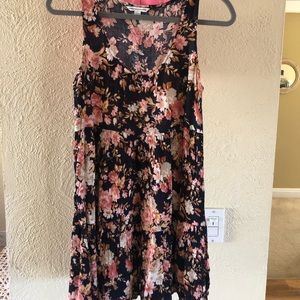 American Eagle floral tiered dress. Size small